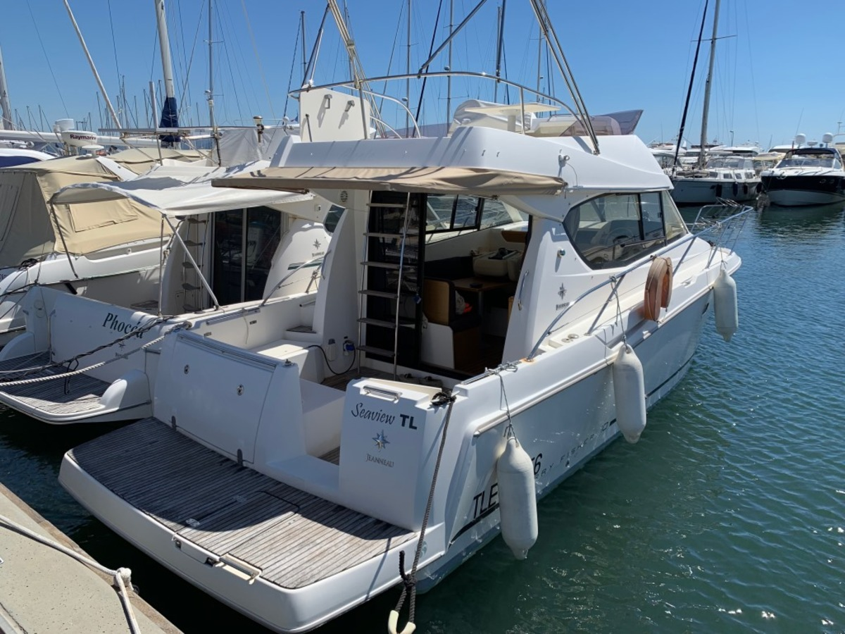 JEANNEAU MERRY FISHER 10 2011 - Used boat for sale
