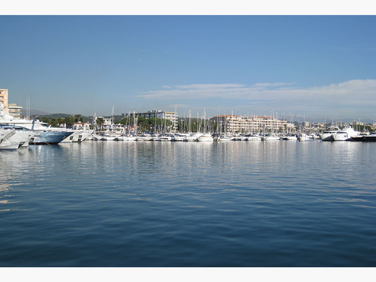 PORT GOLFE JUAN CAMILLE RAYON